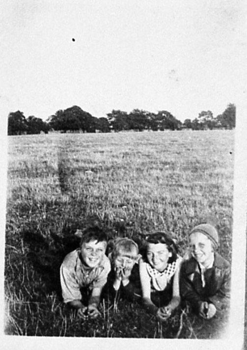 Sydney,Ron,Ting and Vi Aldridge,1930s.